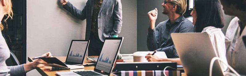 réseau social entreprise teams slack